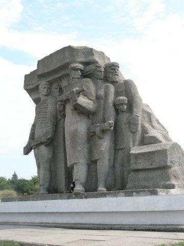Denkmal am Ausgang